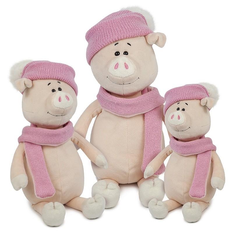 Купить МАКСИ ТОЙЗ Мягкая игрушка Свинка Глаша в шапке и шарфе, 22 см [MT-MRT031804-22], Мягкие игрушки