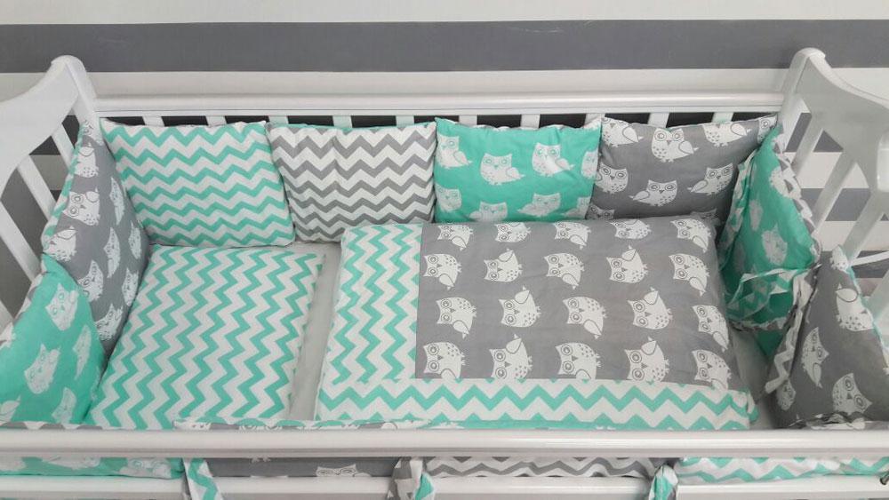 Купить 12360601, ByTWINZ Комплект в кроватку с бортиками-подушками 6 предмета Совята мятные [КПБ6-СОВЫ_МЯТ], Постельное белье для малышей